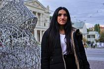 V Brně studuje a pracuje sedmadvacetiletá Kurdka, členka prokurdské opoziční Lidově demokratické strany v Turecku.