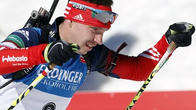 Ruský biatlonista Jevgenij Usťugov (na archivním snímku z 9. března 2014).