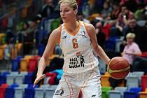 Basketbalistka Karolína Elhotová.