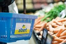 Supermarket Albert, nákupní košík - ilustrační foto