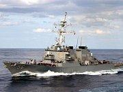 Americký torpédoborec McCain