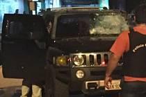 Toumani projížděl svým vozem Hummer vybaveným těžkým kulometem ulicemi městečka Pedro Juan Caballero, když jej obklopilo několik terénních vozů a jejich osazenstvo začalo pálit.