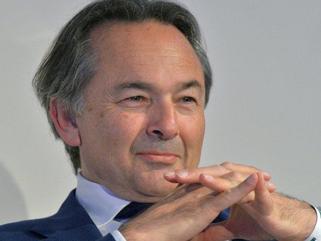 Přední světový odborník na islám a arabský svět Gilles Kepel.