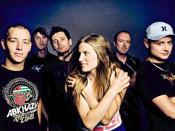 Kapela Skyline s novou zpěvačkou Markou bude hlavním tahákem jubilejního koncertu free Tibet X. v Rumburku.