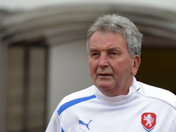 Dočasný trenér fotbalové reprezentace Josef Pešice.