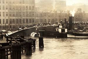 Při převrácení lodi SS Eastland v Chicagu zahynulo 844 lidí, z toho třetina Čechů