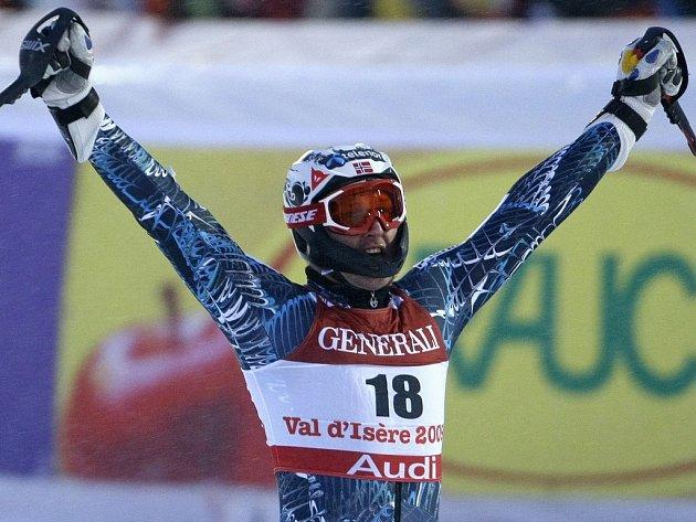 Aksel Lund Svindal z Norska si z Val d'Isere odváží zlato v superkombinaci.