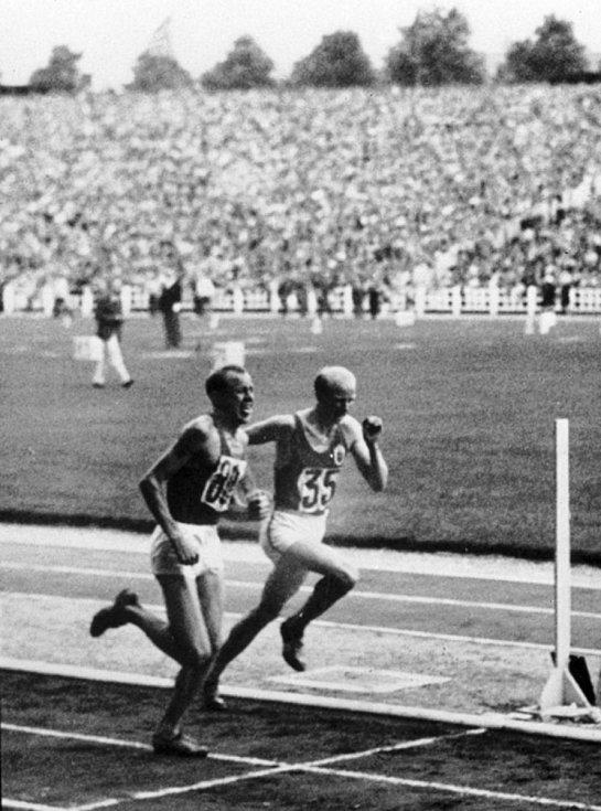 Emil Zátopek na závodech.