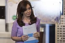 Argentinský parlament, Národní kongres, zrušil argentinskou tajnou službu. Stalo se tak na návrh prezidentky Cristiny Fernándezové v souvislosti s nedávnou záhadnou smrtí prokurátora Alberta Nismana.