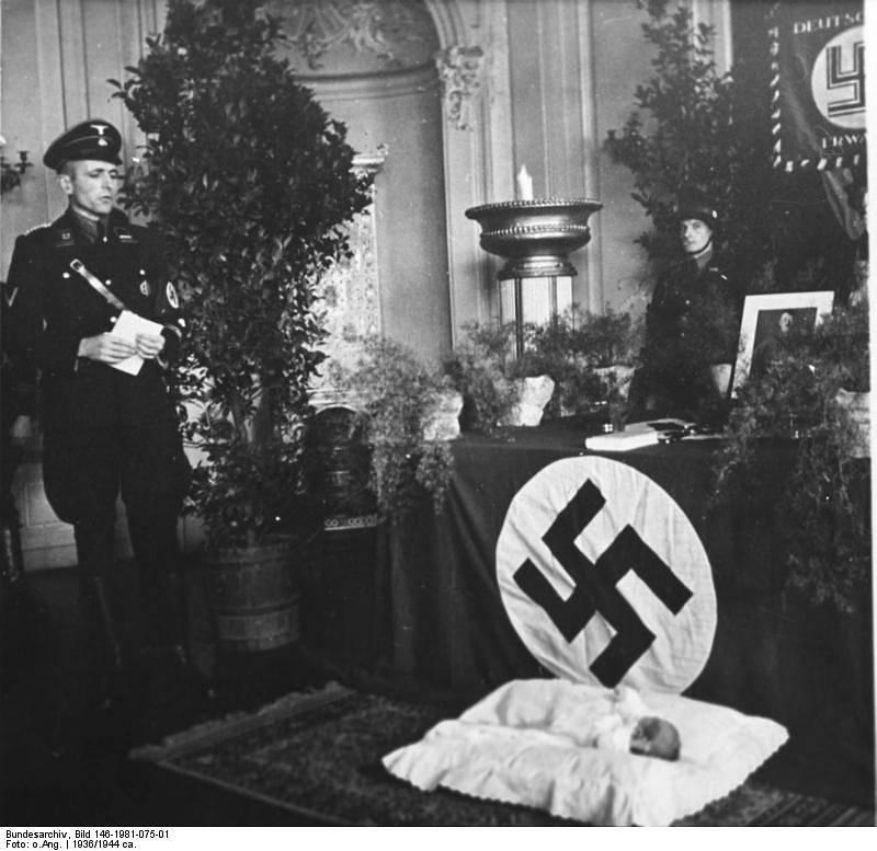 Vše se odehrálo v domově mateřské péče v Rheinhessenu někdy v letech 1936 až 1944