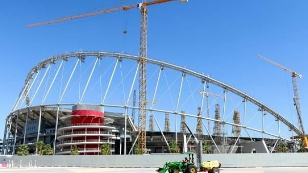 Výstavba stadionu Chalífa v Dauhá. Ilustrační foto.
