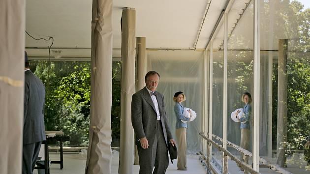 Karel Roden ve filmu Skleněný pokoj.