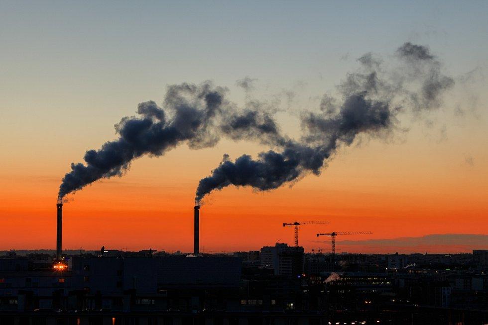 Emise skleníkových plynů zůstávají problémem. Globální oteplování nezastaví ani útlum v době covidové pandemie.