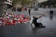 Španělé truchlí na barcelonské třídě La Rambla, kde došlo k útoku