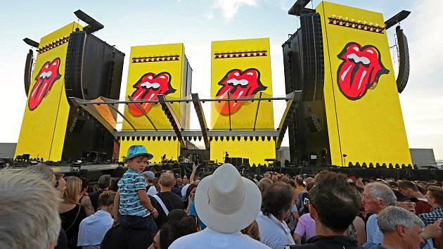 Koncer skupiny Rolling Stones na Letišti Letňany 4.července.