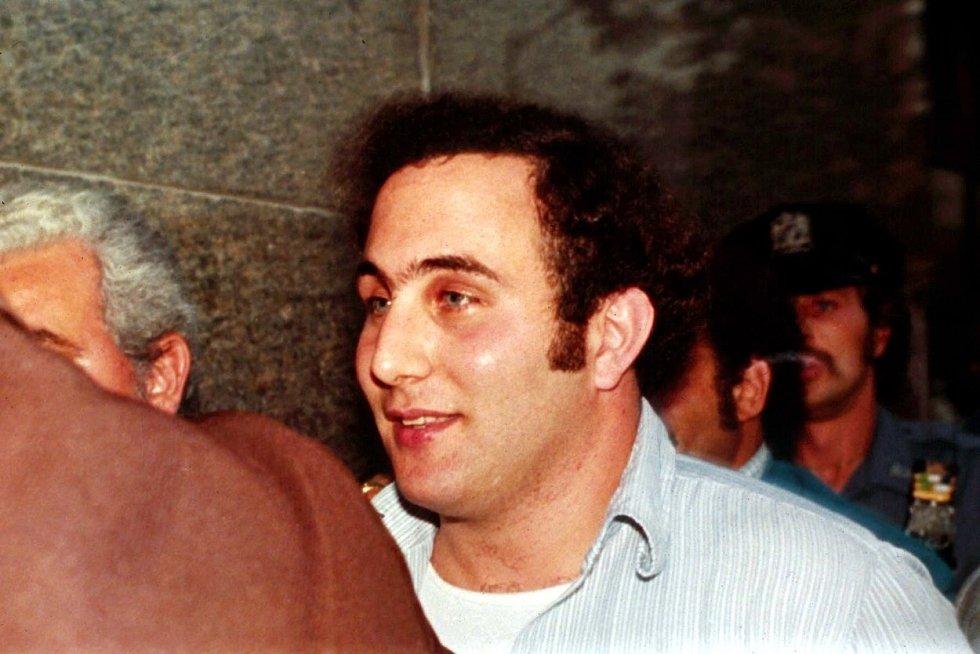 Vrah David Berkowitz po svém zadržení