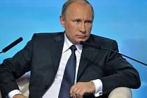 Ruský prezident Vladimir Putin dnes ujistil, že jeho země je ochotna spolupracovat se Spojenými státy, avšak na základě vzájemného uznávání svých zájmů, rovnoprávnosti a nevměšování do vnitřních záležitostí.