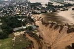 Následky záplav v německém Erftstadtu