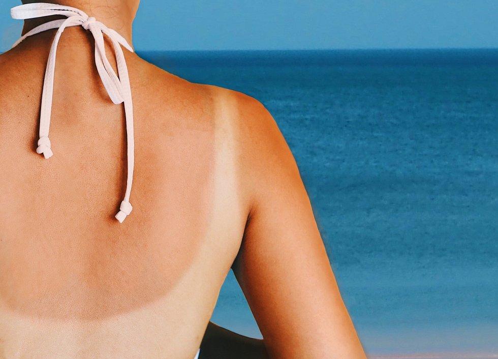 Sluneční světlo má široké spektrum, obsahuje infračervenou (hřejivou) a ultrafialovou (škodlivou) část.