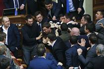 Strkanice v ukrajinském parlamentu.