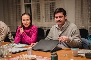 Tereza Ramba a Vojtěch Kotek ve filmu Vlastníci