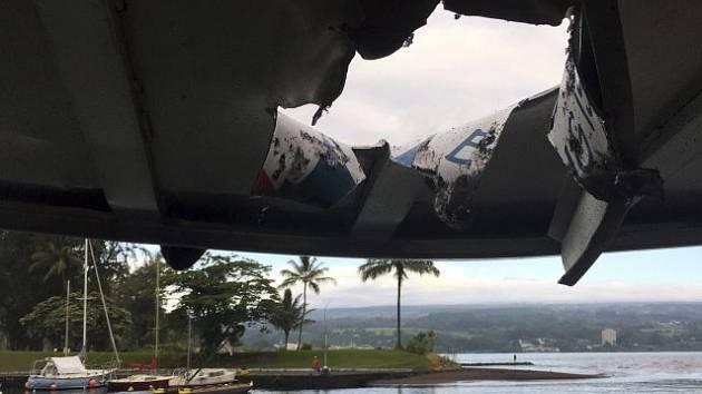 Proražená střecha výletní lodi