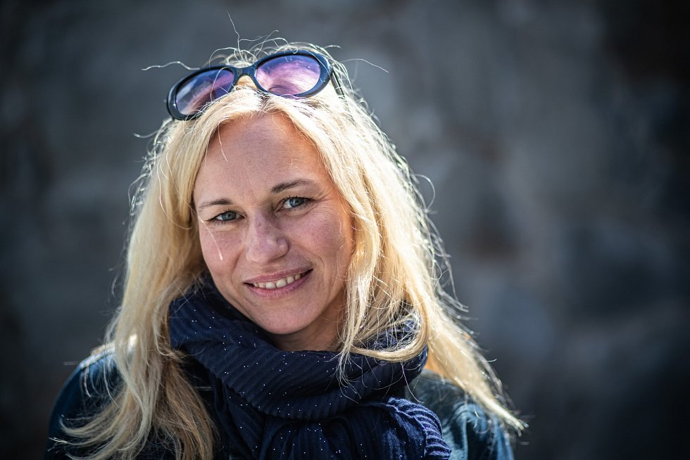 Zita Morávková se narodila vKolíně mamince učitelce a otci veterináři. Vyrůstala vobci Bečváry.