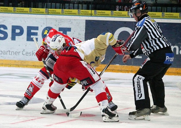 Slavia - Pardubice: Situace při buly