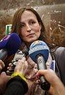 Eva Michaláková hovoří s novináři po setkání s premiérem Bohuslavem Sobotkou
