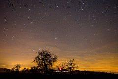Na obloze bude možné pozorovat meteorologický roj Geminidy.