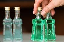 Specializované obchody na tvrdý alkohol? Třetina Čechů by se takovému opatření nebránila