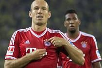 Arjen Robben z Bayernu Mnichov se raduje z gólu proti Dortmundu.