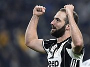 Gonzalo Higuaín z Juventusu se raduje z gólu.