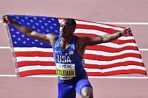 Americký sprinter Christian Coleman po vítězství běhu na 100 metrů na MS v Dauhá (snímek z 28. září 2019)