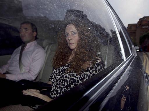 Britská policie v neděli v rámci vyšetřování aféry s odposlechy a podplácením zadržela Rebeku Brooksovou (na snímku), bývalou ředitelku britské divize mediálního impéria australského magnáta Ruperta Murdocha.
