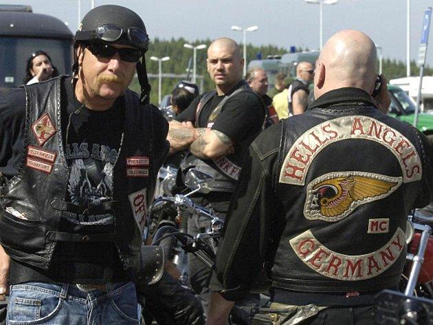 Motorkářský klan Hells Angels míří na sraz do Prahy.