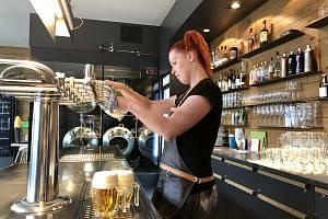 Pro návštěvu restaurace už čestné prohlášení nestačí, stále ale lidé mohou využít samotest.