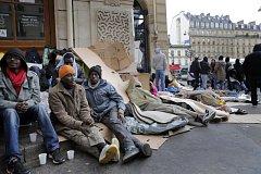 Uprchlíci v ulicích Paříže