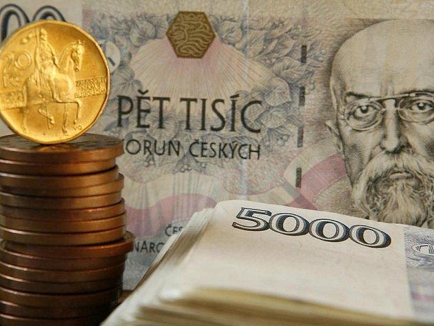 Koaliční vláda premiéra Petra Nečase (ODS) ve sněmovně prosadila přes nesouhlas opozice svůj první státní rozpočet. Počítá se schodkem 135 miliard korun.