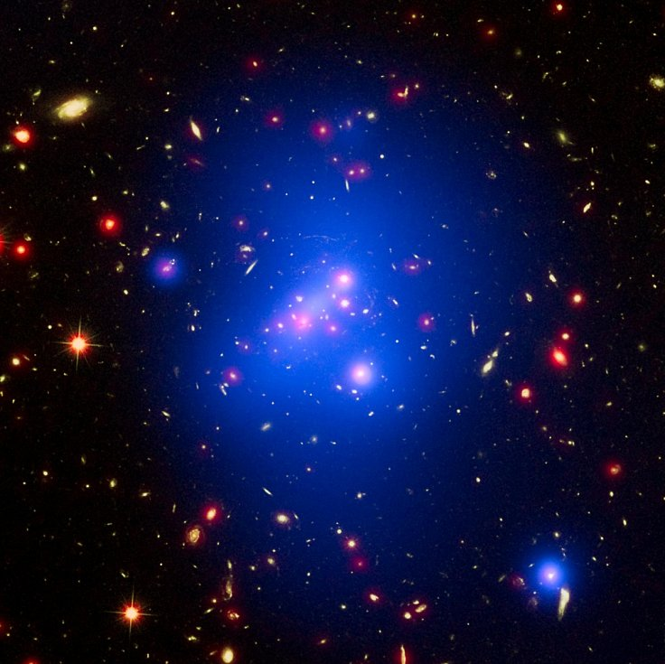 Hubbleův teleskop objevuje galaxie díky záři jejich hvězd, nyní se však daří najít i ty, jejichž svítivost je skryta