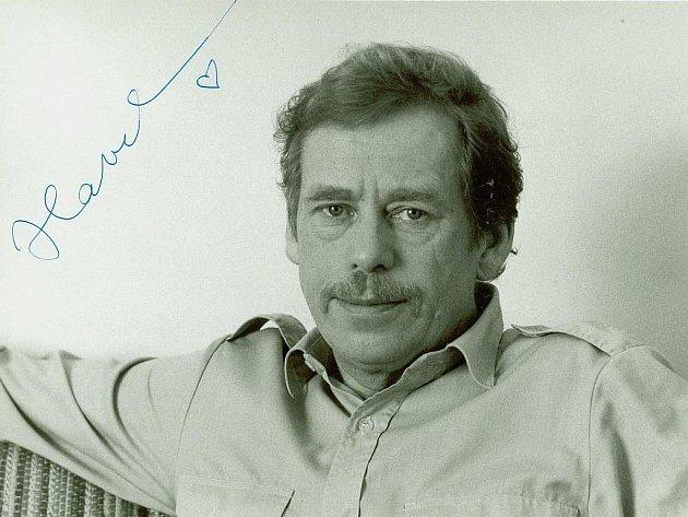 Originál fotografie Václava Havla, která se v roce 1989 stala předlohou plakátů Občanského fóra.