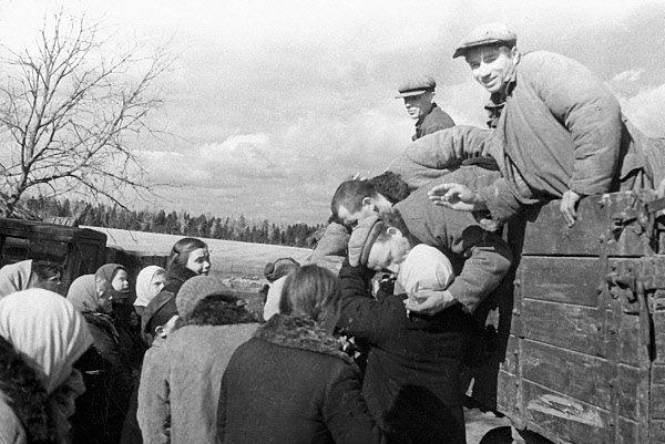 Odchod sovětských branců na frontu