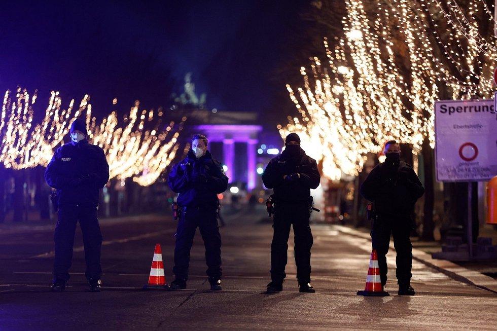 …vystřídala v letošním roce přísná opatření. Německo se do roku 2021 probudilo v lockdownu.