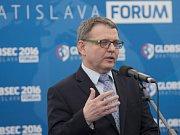 Český ministr zahraničí Lubomír Zaorálek na mezinárodní bezpečnostní konferenci Globsec v Bratislavě.