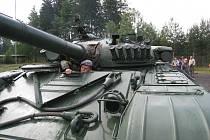 Ukázky vojenské techniky na základně munice Armády ČR v Týništi nad Orlicí