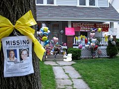 Clevelandská policie čelí po nalezení žen podezření z liknavosti.