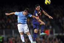 Adriano z Barcelony (vpravo).