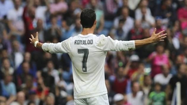 Nový rekordman. Cristiano Ronaldo vstřelil za Real Madrid už 324 gólů a překonal Raúla.