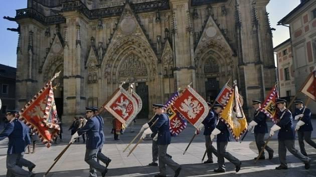 Generální zkouška na inauguraci prezidenta se konala 6. března na Pražském hradě. Nově zvolený prezident Miloš Zeman bude slavnostně uveden do úřadu v pátek 8. března.
