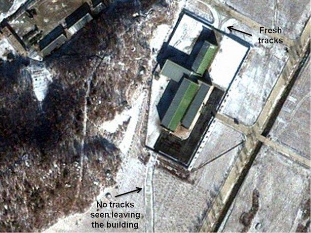 Satelitní fotografie severokorejské raketové základny